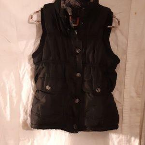 Black puffy vest Girls 10-12 medium